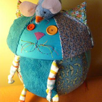 cutie pisica si soricel (2)